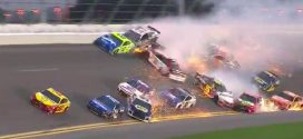 Espectacular carambola en la Daytona 500 de NASCAR (Video)